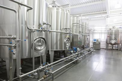 Tanks, silos, mixers
